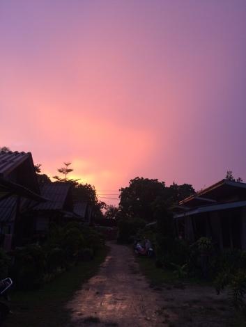 Le bungalow au coucher de soleil